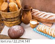 Кувшин, молоко и свежий хлеб. Стоковое фото, фотограф Вячеслав Николаенко / Фотобанк Лори