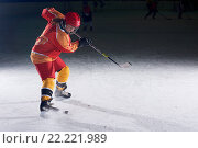 Купить «teen ice hockey player in action», фото № 22221989, снято 22 мая 2019 г. (c) easy Fotostock / Фотобанк Лори