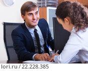 Купить «employee having job interview», фото № 22228385, снято 1 апреля 2020 г. (c) Яков Филимонов / Фотобанк Лори
