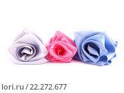 Розы из лент на белом фоне. Стоковое фото, фотограф Юрий Елисеев / Фотобанк Лори