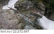 Купить «Summer Waterfall with Limpid Water», видеоролик № 22272697, снято 14 марта 2016 г. (c) Юрий Брыкайло / Фотобанк Лори