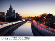Река Яуза (2016 год). Редакционное фото, фотограф Сергей Алимов / Фотобанк Лори