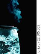 Купить «Кипящий электрический чайник», фото № 22505305, снято 4 декабря 2013 г. (c) Петр Малышев / Фотобанк Лори