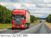 Купить «Scania R420», фото № 22547389, снято 28 июля 2012 г. (c) Art Konovalov / Фотобанк Лори