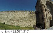 Купить «Древняя каменная стена грузинского царства Мцхета, Грузия», видеоролик № 22584317, снято 31 марта 2016 г. (c) Потийко Сергей / Фотобанк Лори