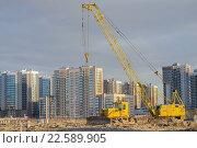 Купить «Строительство дома», фото № 22589905, снято 11 апреля 2016 г. (c) Сергей  Коцюрубский / Фотобанк Лори