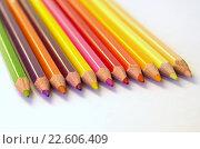 Купить «Цветные карандаши на белом ватмане», фото № 22606409, снято 17 апреля 2016 г. (c) Елена Коромыслова / Фотобанк Лори
