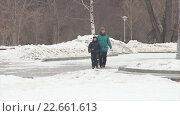 Зимняя прогулка. Стоковое видео, видеограф Евгений Пивоваров / Фотобанк Лори