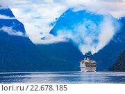 Купить «Cruise Liners On Hardanger fjorden», фото № 22678185, снято 17 июня 2015 г. (c) Андрей Армягов / Фотобанк Лори
