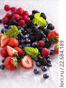 Свежие ягоды. Стоковое фото, фотограф Елена Веселова / Фотобанк Лори