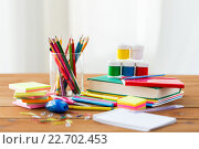 Купить «close up of stationery or school supplies on table», фото № 22702453, снято 17 марта 2016 г. (c) Syda Productions / Фотобанк Лори
