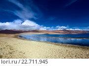 Купить «Горный пейзаж с озером в Гималаях», фото № 22711945, снято 8 сентября 2011 г. (c) Татьяна Белова / Фотобанк Лори