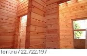Купить «Деревянный дом изнутри», видеоролик № 22722197, снято 16 мая 2014 г. (c) Валентин Беспалов / Фотобанк Лори
