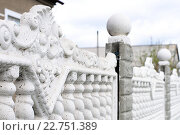 Купить «Детали бетонного литого забора», фото № 22751389, снято 26 апреля 2016 г. (c) Айнур Шауэрман / Фотобанк Лори