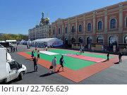 Купить «Подготовка фан-зоны Чемпионата мира по хоккею в Санкт-Петербурге», фото № 22765629, снято 5 мая 2016 г. (c) Stockphoto / Фотобанк Лори