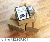 Купить «Cardboard box, clipboard with receiving form and pos terminal and credit card. Delivery concept.», фото № 22959901, снято 17 июля 2018 г. (c) Maksym Yemelyanov / Фотобанк Лори