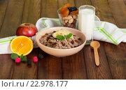 Набор продуктов для здорового питания на деревянном фоне. Стоковое фото, фотограф Сергей Молодиков / Фотобанк Лори