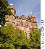 Купить «Западный фасад замка Ксёнж в Польше с двумя башнями», фото № 23026013, снято 18 сентября 2010 г. (c) Солодовникова Елена / Фотобанк Лори