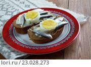 Купить «Estonian sandwich with anchovies», фото № 23028273, снято 25 мая 2016 г. (c) Александр Fanfo / Фотобанк Лори