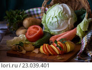 Натюрморт из свежих овощей. Стоковое фото, фотограф Нина Осинцева / Фотобанк Лори