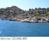 Каменный берег Чёрного моря в Турции. Стоковое фото, фотограф Фёдор Ромашов / Фотобанк Лори