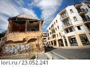 Купить «Старое здание на улице в Ларнаке, Кипр», фото № 23052241, снято 17 мая 2016 г. (c) Морозова Татьяна / Фотобанк Лори
