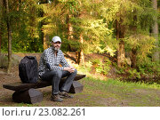 Mature man on the bench, фото № 23082261, снято 23 мая 2016 г. (c) Лиляна Виноградова / Фотобанк Лори