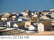 Купить «New tract houses, Albuquerque suburbs. Bernalillo. New Mexico, USA», фото № 23133145, снято 26 мая 2020 г. (c) age Fotostock / Фотобанк Лори