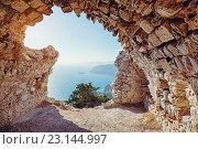 Руины замка Монолитос на остров Родос в Греции (2016 год). Стоковое фото, фотограф Виктор Застольский / Фотобанк Лори