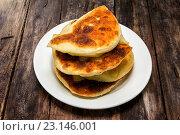 Купить «Карельская выпечка. Свательные пироги - keitinpiiroa. Пироги для зятя с пшенной кашей», фото № 23146001, снято 19 июня 2016 г. (c) Наталья Осипова / Фотобанк Лори