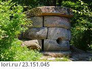Купить «Дольмен на реке Жане, Геленджик», эксклюзивное фото № 23151045, снято 10 июня 2016 г. (c) Артём Крылов / Фотобанк Лори