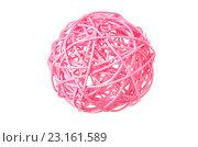 Купить «Декоративная розовая сфера на белом фоне», фото № 23161589, снято 17 июня 2016 г. (c) Йомка / Фотобанк Лори