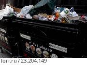 Купить «Recycling bin filled with ordinary refuse», фото № 23204149, снято 8 декабря 2006 г. (c) age Fotostock / Фотобанк Лори