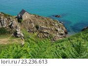 Одинокий домик на берегу моря. Стоковое фото, фотограф Stjarna / Фотобанк Лори