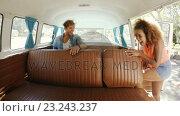 Купить «Happy hipsters entering van», видеоролик № 23243237, снято 19 августа 2019 г. (c) Wavebreak Media / Фотобанк Лори