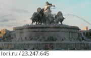 Купить «Landmarks of Copenhagen. The Gefion Fountain», видеоролик № 23247645, снято 26 апреля 2016 г. (c) Данил Руденко / Фотобанк Лори