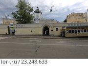 Купить «Москва. Иоанна-Предтеченский женский монастырь», эксклюзивное фото № 23248633, снято 8 июля 2016 г. (c) Яна Королёва / Фотобанк Лори