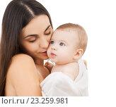 Купить «mother kissing adorable baby», фото № 23259981, снято 22 декабря 2007 г. (c) Syda Productions / Фотобанк Лори