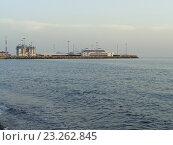 Купить «Морской вокзал Сочи, вид с моря», фото № 23262845, снято 14 мая 2016 г. (c) DiS / Фотобанк Лори