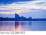 Купить «Город на закате», фото № 23266913, снято 24 ноября 2015 г. (c) Денис Дряшкин / Фотобанк Лори