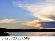 Облачное небо над Ладогой в тихий летний вечер. Стоковое фото, фотограф Владимир Кошарев / Фотобанк Лори
