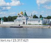 Ипатьевский мужской монастырь (XIV век) в Костроме (2016 год). Стоковое фото, фотограф Елена Маслова / Фотобанк Лори