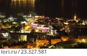 Купить «Ночь в Будве, ночная подсветка в порту и старом городе. Черногория. Таймлапс», видеоролик № 23327581, снято 19 июня 2016 г. (c) Кекяляйнен Андрей / Фотобанк Лори