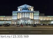 Warsaw, Poland, the Teatr Wielki at night (2013 год). Редакционное фото, агентство Caro Photoagency / Фотобанк Лори