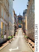Улица Gustave et Pierre Girod в летний день, Эвиан ле Бен, Франция (2016 год). Редакционное фото, фотограф Юлия Кузнецова / Фотобанк Лори
