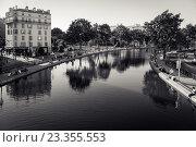 Купить «Канал Сен-Мартен, Париж, Франция», фото № 23355553, снято 19 июля 2016 г. (c) Илья Бесхлебный / Фотобанк Лори