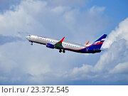 """Купить «Самолет Boeing 737 Next Gen авиакомпании """"Аэрофлот""""», фото № 23372545, снято 11 мая 2016 г. (c) Зезелина Марина / Фотобанк Лори"""