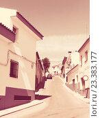 Ordinary street of town in La Mancha (2013 год). Стоковое фото, фотограф Яков Филимонов / Фотобанк Лори