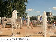 Купить «Фонтан в детском парке города Орла», фото № 23398525, снято 5 августа 2016 г. (c) Александр Плахов / Фотобанк Лори