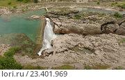 Водопад Ниагара со срывающимися в ущелье потоками воды. Подгорица, Черногория (2016 год). Стоковое видео, видеограф Кекяляйнен Андрей / Фотобанк Лори